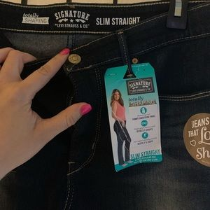Signature by Levi totally slimming jeans